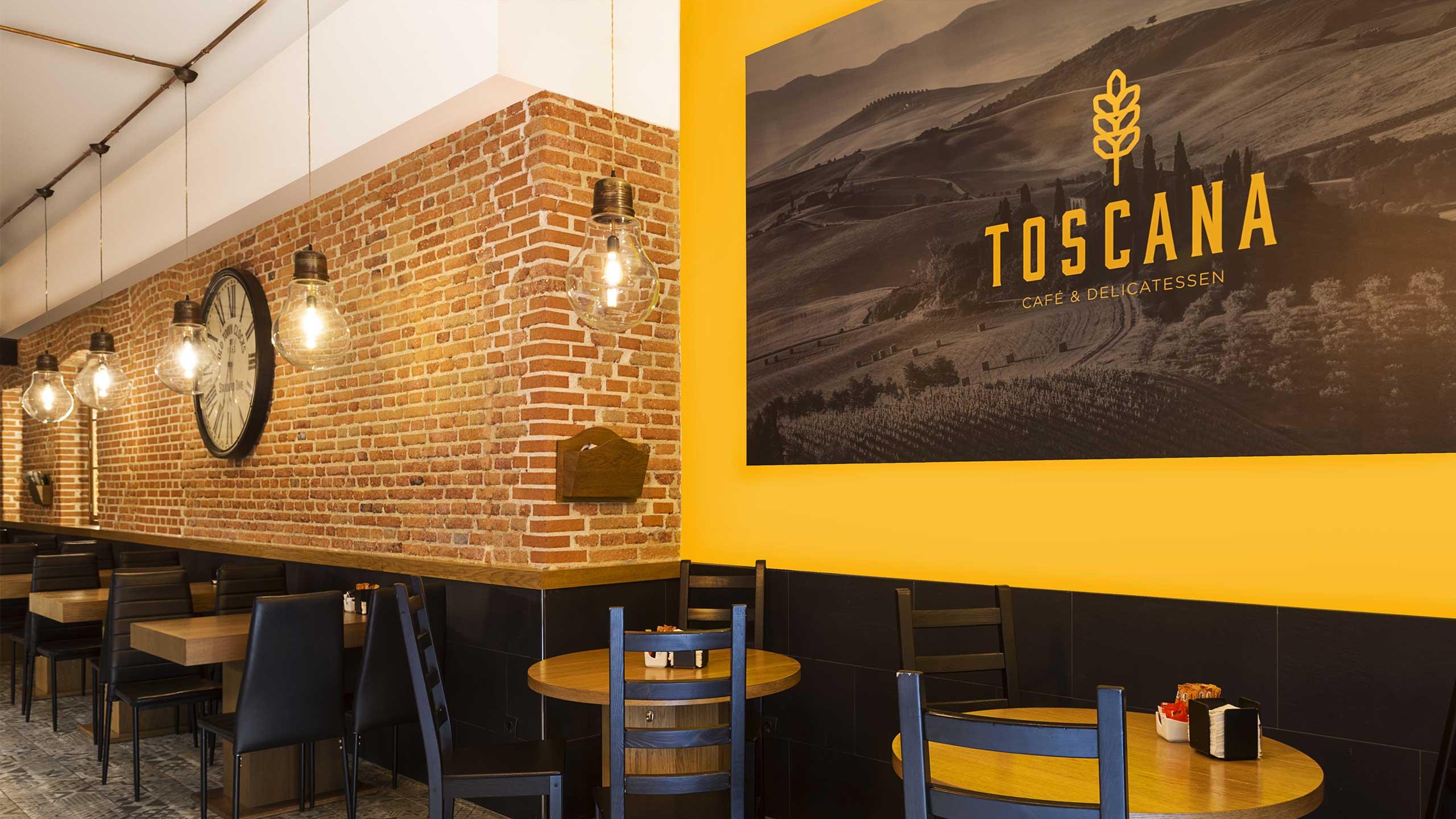 Diseño de rótulos interiores para la cafetería Toscana Madrid