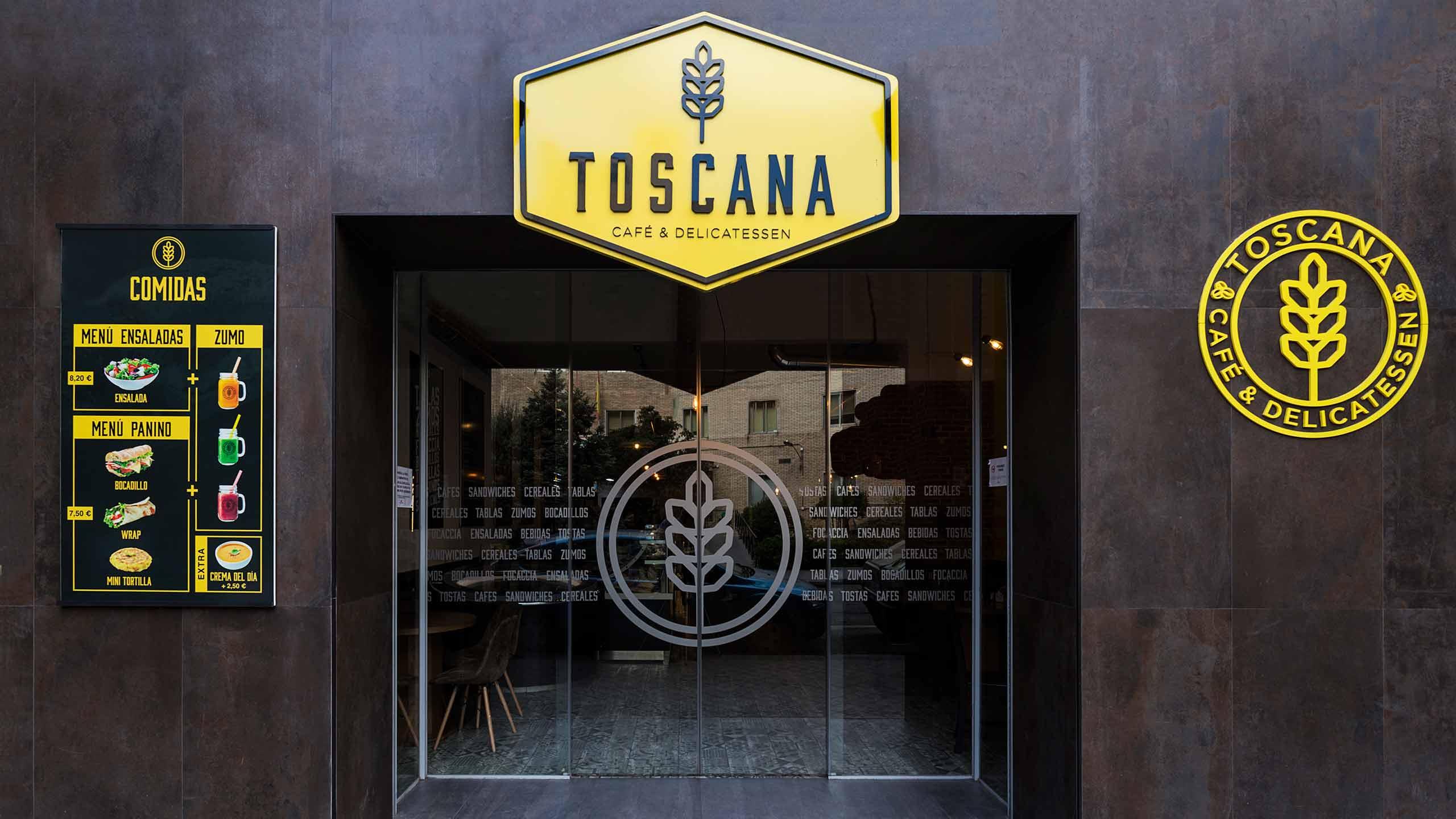 Diseño de rótulos corpóreos y menú para la cafetería Toscana Madrid