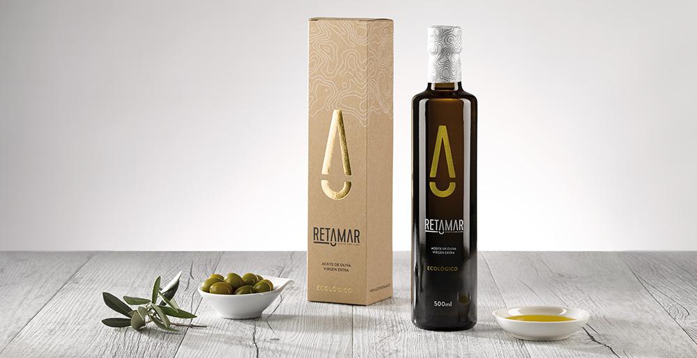 Identidad y packaging para Aceite Retamar